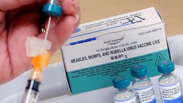Fotoğraf: Kızamık, Kabakulak ve Kızamıkçık Aşısı, Orange County Sağlık Departmanı, Orlando, Florida